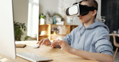 a student using AR/VR to study